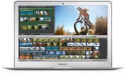Apple MacBook Air 11 - Inch / 1.3 GHz Dual - Core Intel Core i5 / 4 GB / 128 GB / Silver